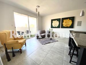 Apartamento En Alquileren Maracaibo, Cecilio Acosta, Venezuela, VE RAH: 21-26359
