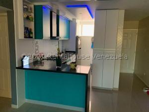 Apartamento En Ventaen Guatire, Alto Grande, Venezuela, VE RAH: 21-26438