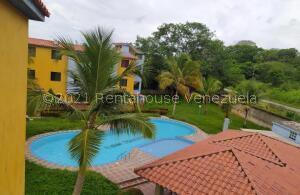 Apartamento En Ventaen Higuerote, Club Campestre El Paraiso, Venezuela, VE RAH: 21-26456