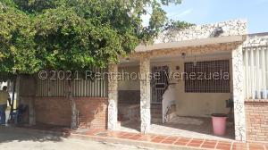 Casa En Alquileren Maracaibo, La Picola, Venezuela, VE RAH: 21-26661