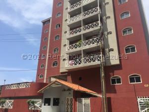 Apartamento En Ventaen Lecheria, Casco Central, Venezuela, VE RAH: 21-26505