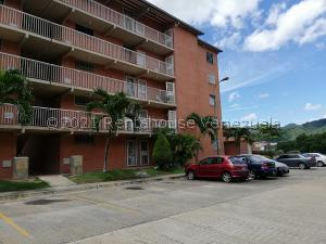 Apartamento En Ventaen Guatire, Sector San Pedro, Venezuela, VE RAH: 21-26629