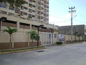 Apartamento En Ventaen Maracaibo, Avenida El Milagro, Venezuela, VE RAH: 21-26555