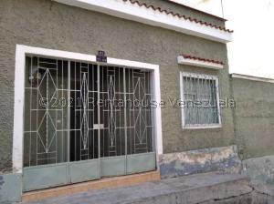 Casa En Ventaen Caracas, Catia, Venezuela, VE RAH: 21-26567
