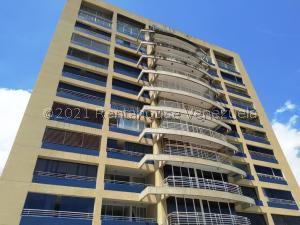 Apartamento En Ventaen Parroquia Caraballeda, Caribe, Venezuela, VE RAH: 21-25781