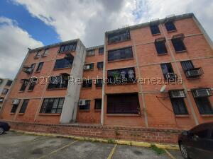 Apartamento En Ventaen Municipio Naguanagua, Casco Central, Venezuela, VE RAH: 21-26592