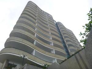 Apartamento En Ventaen Parroquia Caraballeda, Camuri Chico, Venezuela, VE RAH: 22-7494
