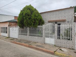 Casa En Ventaen Maracay, Barrio Bolivar, Venezuela, VE RAH: 21-26616