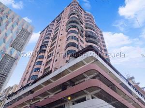 Apartamento En Ventaen Maracay, Zona Centro, Venezuela, VE RAH: 21-26673