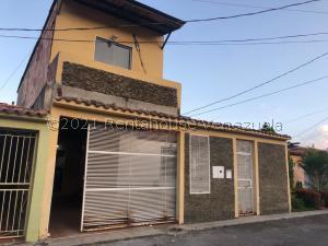 Casa En Ventaen Barquisimeto, Parroquia Santa Rosa, Venezuela, VE RAH: 21-26680