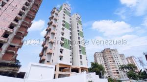 Apartamento En Ventaen Maracay, Zona Centro, Venezuela, VE RAH: 21-26689