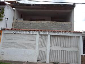Casa En Ventaen Municipio San Diego, Monteserino, Venezuela, VE RAH: 21-27603