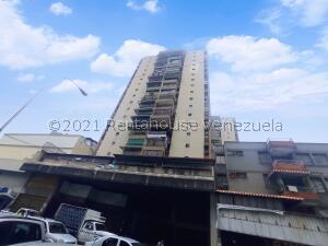 Apartamento En Ventaen Maracay, Zona Centro, Venezuela, VE RAH: 21-26872