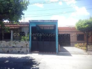 Local Comercial En Alquileren Barquisimeto, Avenida Libertador, Venezuela, VE RAH: 21-27551