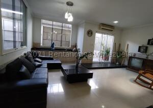 Casa En Ventaen Maracay, Villas Ingenio Ii, Venezuela, VE RAH: 21-26835