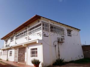 Casa En Ventaen La Vela De Coro, Intercomunal Coro La Vela, Venezuela, VE RAH: 21-26781