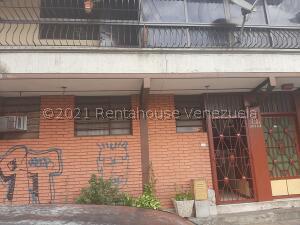 Edificio En Ventaen Caracas, Catia, Venezuela, VE RAH: 21-26850