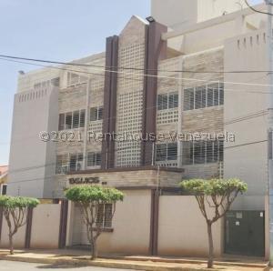 Apartamento En Ventaen Maracaibo, Santa Maria, Venezuela, VE RAH: 21-26931