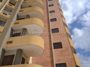 Apartamento En Ventaen Valencia, La Trigaleña, Venezuela, VE RAH: 21-27457