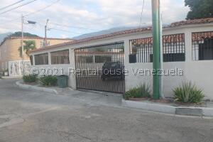 Casa En Ventaen Guatire, El Castillejo, Venezuela, VE RAH: 21-26918
