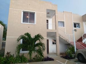 Apartamento En Alquileren Cabimas, Bello Monte, Venezuela, VE RAH: 21-26888