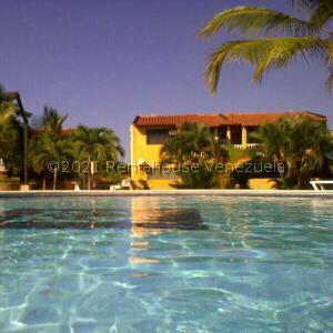 Apartamento En Ventaen Higuerote, Club Campestre El Paraiso, Venezuela, VE RAH: 21-26982