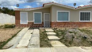 Casa En Ventaen Barquisimeto, Terrazas De La Ensenada, Venezuela, VE RAH: 21-26957