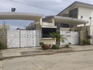 Townhouse En Ventaen Municipio Naguanagua, Manantial, Venezuela, VE RAH: 21-27007