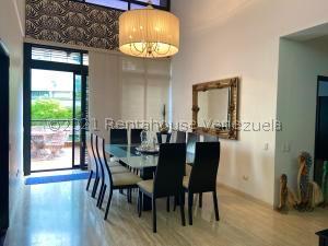 Apartamento En Ventaen Caracas, Lomas Del Sol, Venezuela, VE RAH: 21-27023
