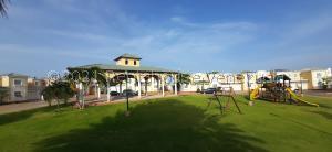 Townhouse En Ventaen Maracaibo, Avenida Milagro Norte, Venezuela, VE RAH: 21-27027
