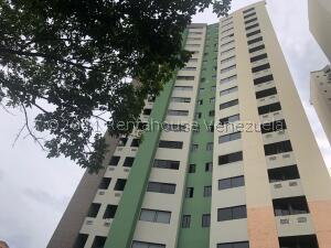 Apartamento En Ventaen Valencia, Valles De Camoruco, Venezuela, VE RAH: 21-27045