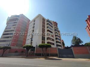 Apartamento En Ventaen Maracaibo, La Lago, Venezuela, VE RAH: 21-27073