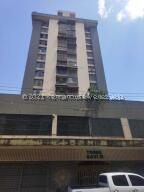 Apartamento En Ventaen Caracas, Parroquia Santa Rosalia, Venezuela, VE RAH: 21-27076