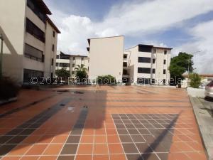 Apartamento En Ventaen Cabudare, Parroquia José Gregorio, Venezuela, VE RAH: 21-27101