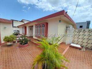 Casa En Ventaen Maracaibo, Monte Bello, Venezuela, VE RAH: 21-27123