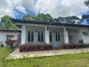 Casa En Ventaen Caracas, La Lagunita Country Club, Venezuela, VE RAH: 21-27217