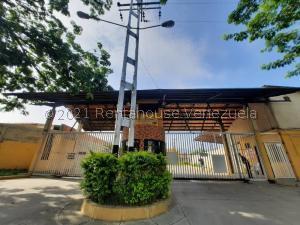 Casa En Ventaen Municipio Linares Alcantara, Valle Jardin, Venezuela, VE RAH: 21-1072