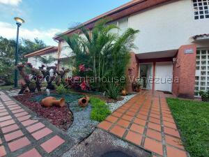 Townhouse En Ventaen Caracas, El Hatillo, Venezuela, VE RAH: 21-27164