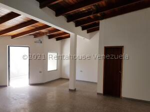 Local Comercial En Alquileren Coro, Sector San Bosco, Venezuela, VE RAH: 21-27180