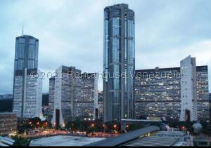 Apartamento En Ventaen Caracas, Parque Central, Venezuela, VE RAH: 21-27201