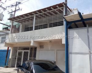 Local Comercial En Ventaen Municipio Los Guayos, Las Aguitas, Venezuela, VE RAH: 21-27194