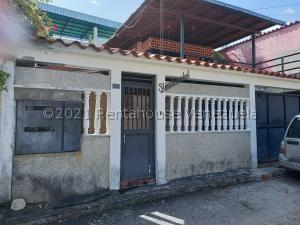 Casa En Ventaen Guatire, Valle Arriba, Venezuela, VE RAH: 21-27075