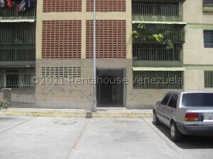 Apartamento En Ventaen Barquisimeto, Avenida Libertador, Venezuela, VE RAH: 21-27234