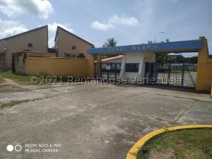 Apartamento En Ventaen Rio Chico, Los Canales De Rio Chico, Venezuela, VE RAH: 21-13571
