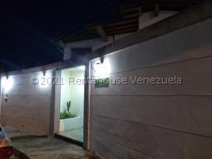 Casa En Ventaen Caracas, Cumbres De Curumo, Venezuela, VE RAH: 21-27253