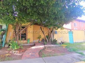Casa En Ventaen Cabudare, Valle Hondo, Venezuela, VE RAH: 21-27257