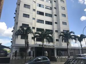 Apartamento En Ventaen Valencia, Las Chimeneas, Venezuela, VE RAH: 21-27255