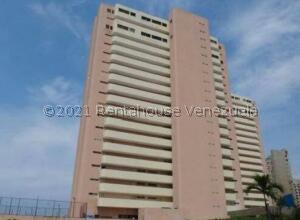 Apartamento En Ventaen Catia La Mar, Playa Grande, Venezuela, VE RAH: 21-27476