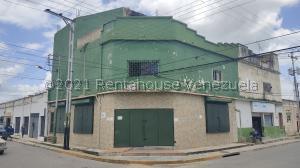Local Comercial En Ventaen Palo Negro, Centro Palo Negro, Venezuela, VE RAH: 21-27293