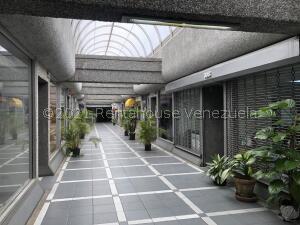 Local Comercial En Ventaen Caracas, Santa Paula, Venezuela, VE RAH: 21-27302